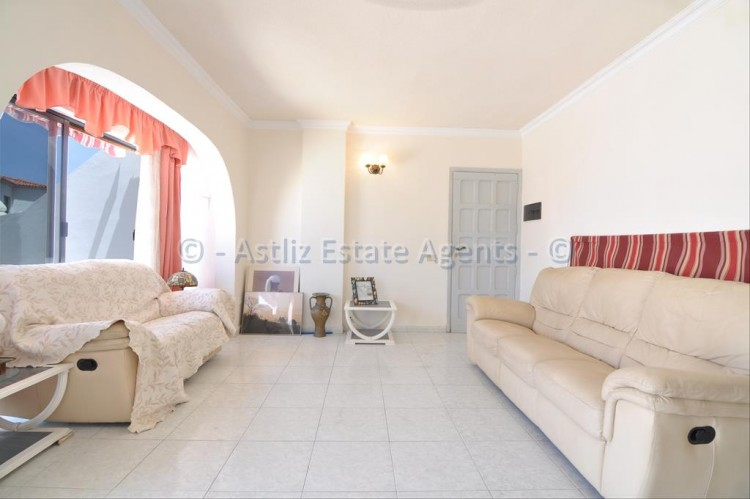 3 Bed  Flat / Apartment for Sale, Los Gigantes, Santiago Del Teide, Tenerife - AZ-1356 10