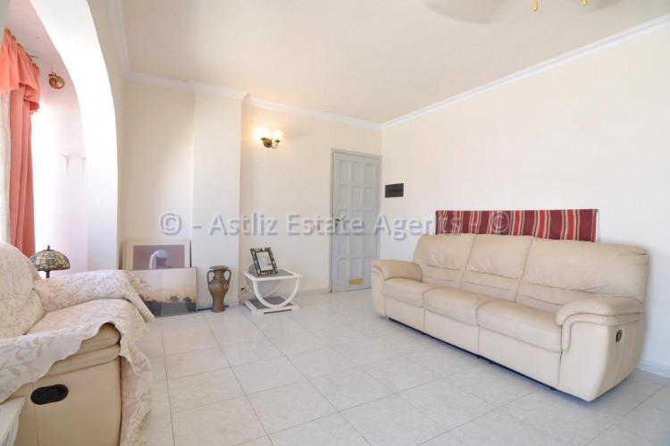 3 Bed  Flat / Apartment for Sale, Los Gigantes, Santiago Del Teide, Tenerife - AZ-1356 11