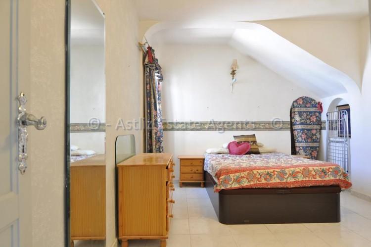 3 Bed  Flat / Apartment for Sale, Los Gigantes, Santiago Del Teide, Tenerife - AZ-1356 5