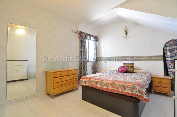 3 Bed  Flat / Apartment for Sale, Los Gigantes, Santiago Del Teide, Tenerife - AZ-1356 7