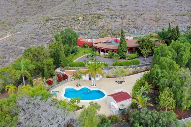 4 Bed  Villa/House for Sale, Adeje, Santa Cruz de Tenerife, Tenerife - DH-VPTCHADJASS_6-19 1
