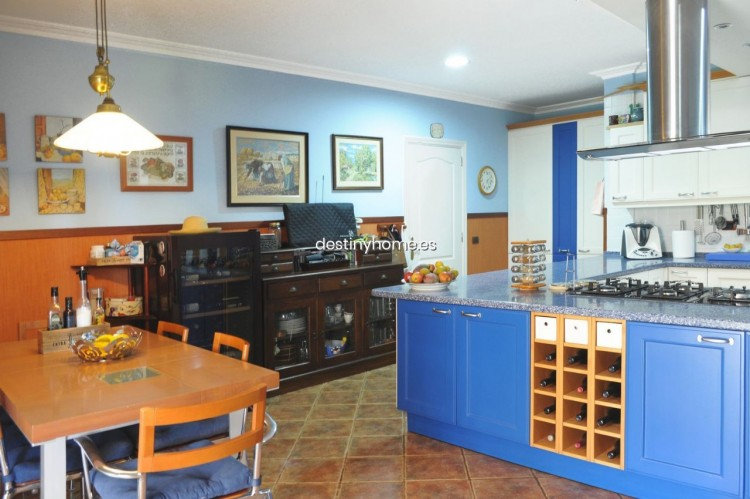 4 Bed  Villa/House for Sale, Adeje, Santa Cruz de Tenerife, Tenerife - DH-VPTCHADJASS_6-19 10