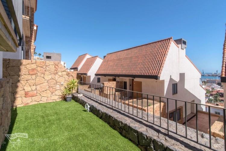 3 Bed  Villa/House for Sale, Las Palmas de Gran Canaria, LAS PALMAS, Gran Canaria - BH-8077-FAC-2912 1