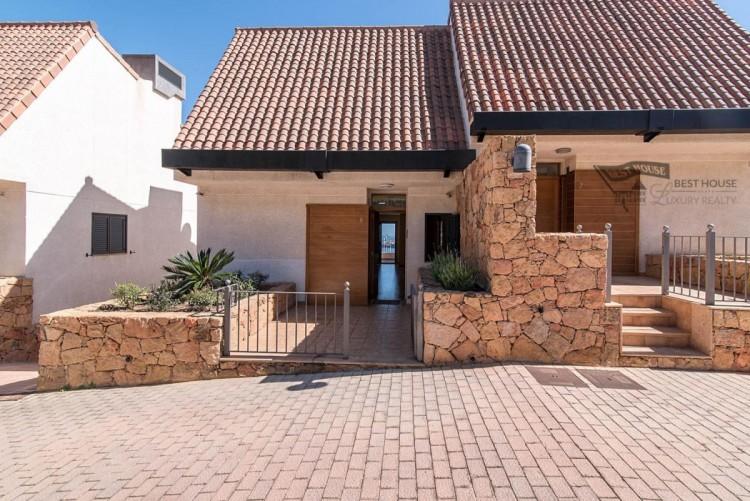 3 Bed  Villa/House for Sale, Las Palmas de Gran Canaria, LAS PALMAS, Gran Canaria - BH-8077-FAC-2912 5