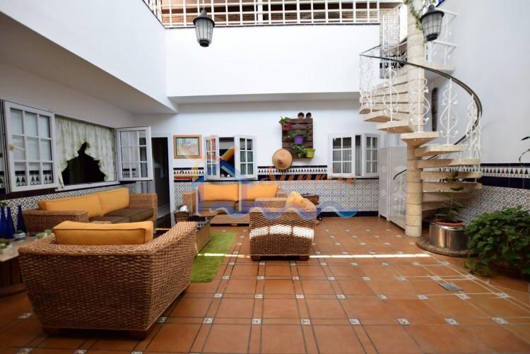 5 Bed  Villa/House for Sale, SAN BARTOLOME DE TIRAJANA, Las Palmas, Gran Canaria - MA-C-469 2