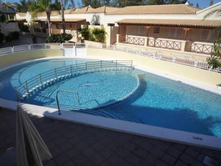2 Bed  Villa/House for Sale, Los Cristianos, Arona, Tenerife - AZ-1166 2