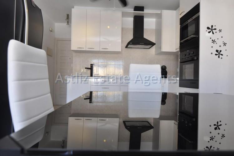 3 Bed  Flat / Apartment for Sale, Puerto De Santiago, Santiago Del Teide, Tenerife - AZ-1167 11