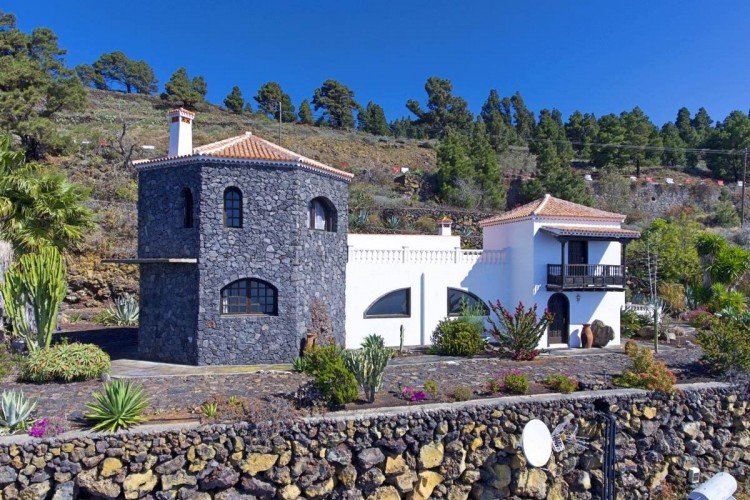 3 Bed  Villa/House for Sale, Las Caletas, Fuencaliente, La Palma - LP-F54 1