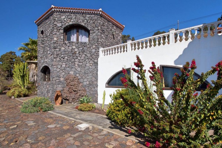 3 Bed  Villa/House for Sale, Las Caletas, Fuencaliente, La Palma - LP-F54 12