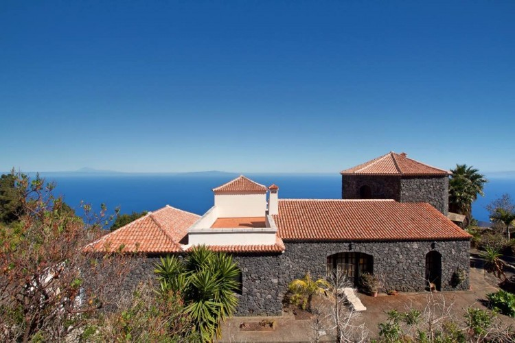 3 Bed  Villa/House for Sale, Las Caletas, Fuencaliente, La Palma - LP-F54 9