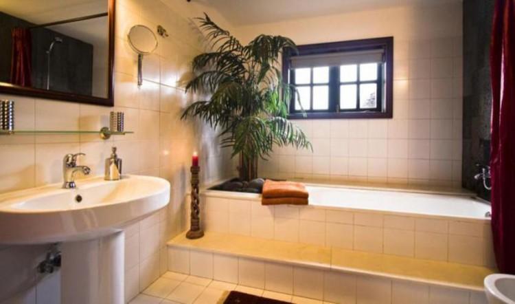 8 Bed  Villa/House for Sale, Tahiche, Lanzarote - LA-LA874s 10