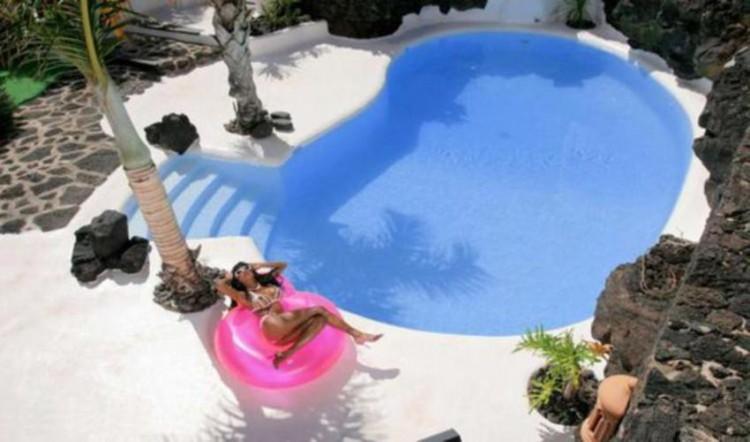 8 Bed  Villa/House for Sale, Tahiche, Lanzarote - LA-LA874s 12