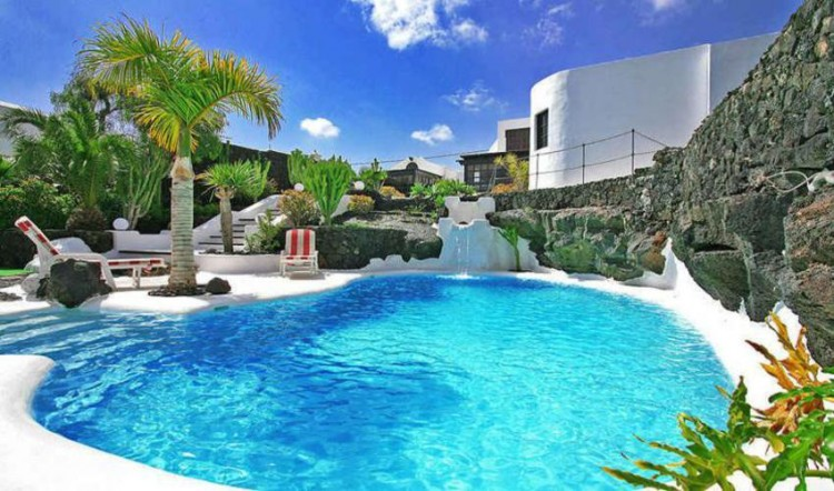 8 Bed  Villa/House for Sale, Tahiche, Lanzarote - LA-LA874s 2