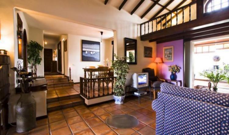 8 Bed  Villa/House for Sale, Tahiche, Lanzarote - LA-LA874s 5