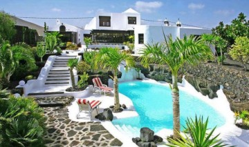 8 Bed  Villa/House for Sale, Tahiche, Lanzarote - LA-LA874s