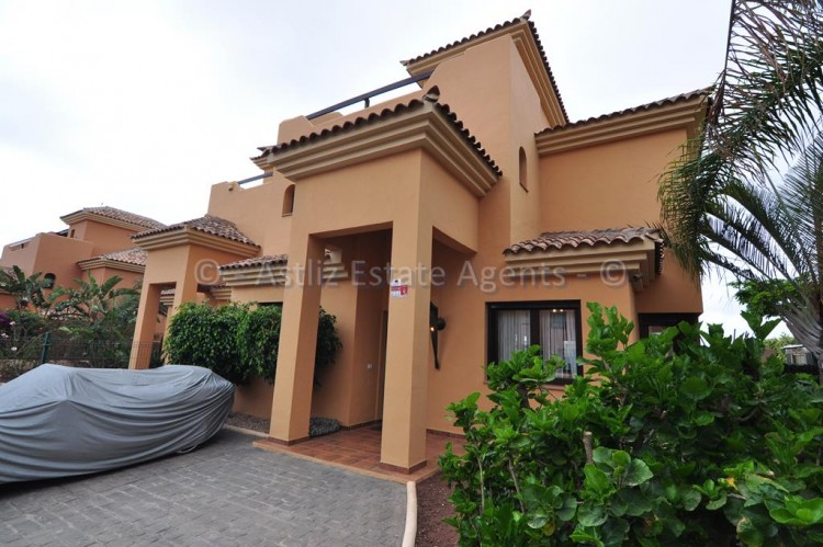 4 Bed  Villa/House for Sale, Amarilla Golf, San Miguel De Abona, Tenerife - AZ-1362 5