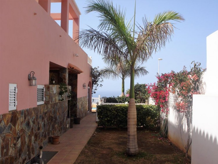 3 Bed  Villa/House for Sale, San Eugenio, Adeje, Tenerife - AZ-1184 17