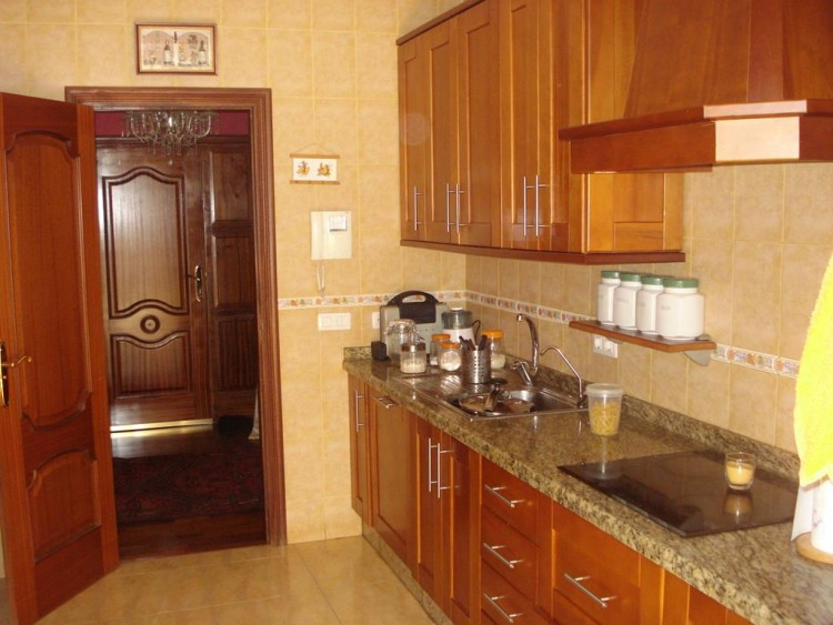 3 Bed  Villa/House for Sale, San Eugenio, Adeje, Tenerife - AZ-1184 3