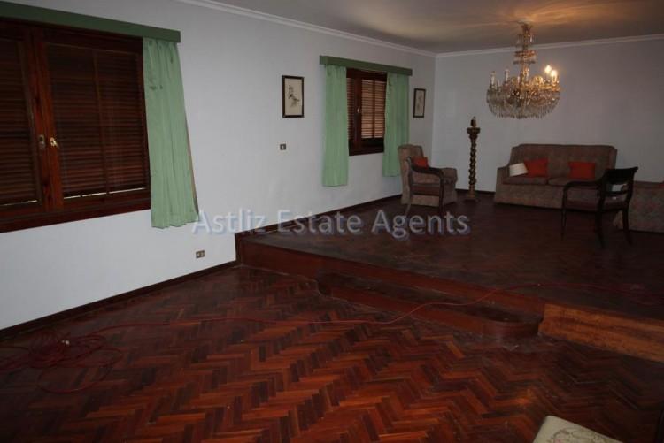 5 Bed  Villa/House for Sale, Puerto De La Cruz, Tenerife - AZ-1191 4