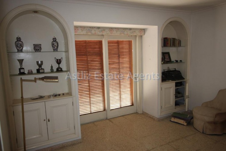 5 Bed  Villa/House for Sale, Puerto De La Cruz, Tenerife - AZ-1191 6