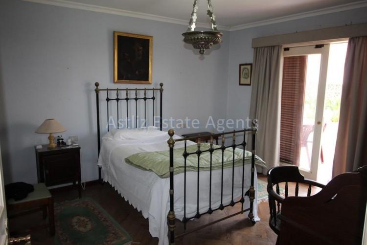 5 Bed  Villa/House for Sale, Puerto De La Cruz, Tenerife - AZ-1191 7
