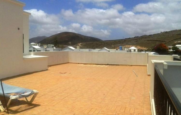 4 Bed  Villa/House for Sale, Uga, Lanzarote - LA-LA875s 3