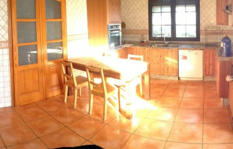 4 Bed  Villa/House for Sale, Uga, Lanzarote - LA-LA875s 5