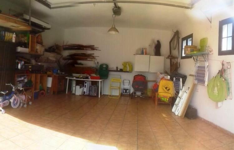 4 Bed  Villa/House for Sale, Uga, Lanzarote - LA-LA875s 8