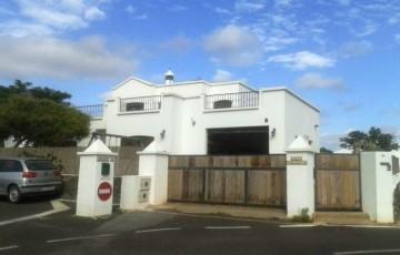 4 Bed  Villa/House for Sale, Uga, Lanzarote - LA-LA875s