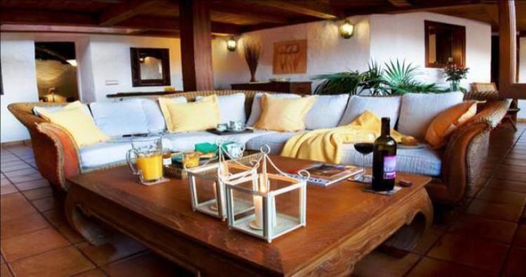 Country House/Finca for Sale, Haria, Lanzarote - LA-LA883 2