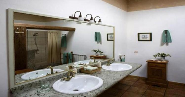 Country House/Finca for Sale, Haria, Lanzarote - LA-LA883 8