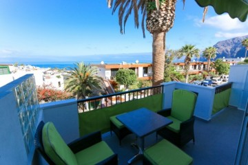 2 Bed  Flat / Apartment for Sale, Los Gigantes, Tenerife - YL-PW117