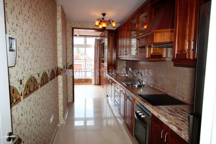 2 Bed  Flat / Apartment for Sale, Puerto De La Cruz, Tenerife - AZ-1196 12