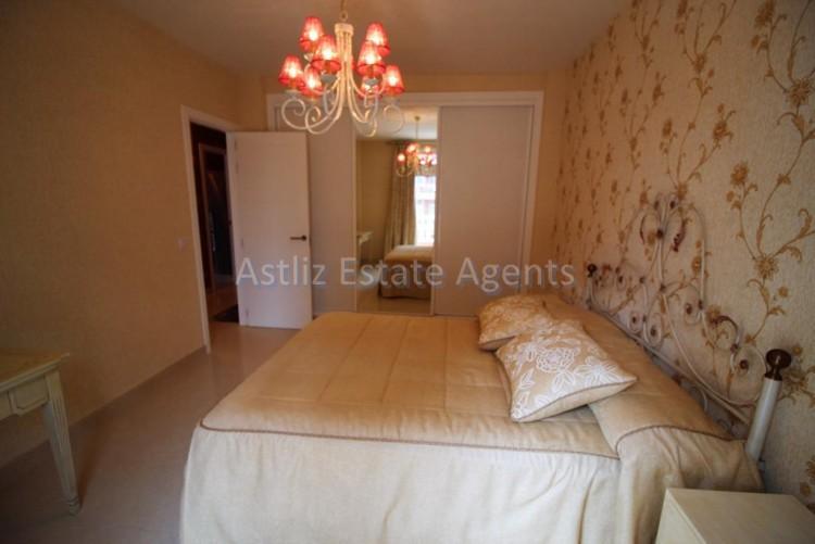 2 Bed  Flat / Apartment for Sale, Puerto De La Cruz, Tenerife - AZ-1196 14