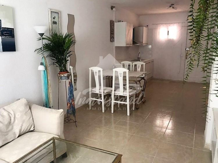 2 Bed  Flat / Apartment for Sale, Arona, Santa Cruz de Tenerife, Tenerife - IN-332 1
