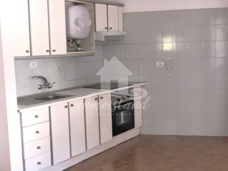 3 Bed  Flat / Apartment for Sale, Granadilla, Santa Cruz de Tenerife, Tenerife - IN-333 11