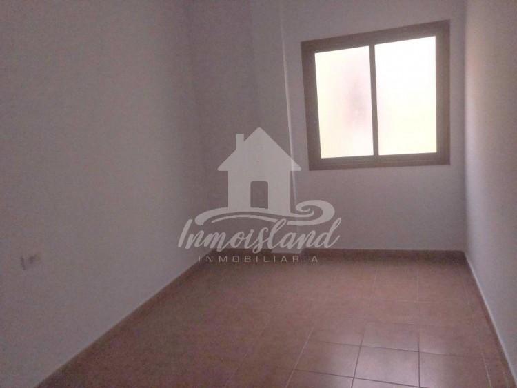 3 Bed  Flat / Apartment for Sale, Granadilla, Santa Cruz de Tenerife, Tenerife - IN-333 4