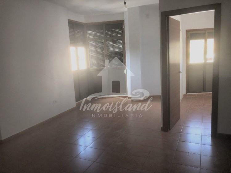 3 Bed  Flat / Apartment for Sale, Granadilla, Santa Cruz de Tenerife, Tenerife - IN-333 6
