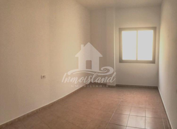 3 Bed  Flat / Apartment for Sale, Granadilla, Santa Cruz de Tenerife, Tenerife - IN-333 7