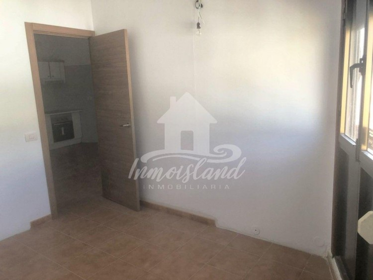 3 Bed  Flat / Apartment for Sale, Granadilla, Santa Cruz de Tenerife, Tenerife - IN-333 9