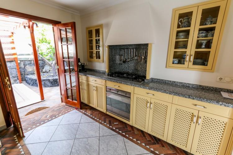 2 Bed  Villa/House for Sale, Los Gigantes, Santiago Del Teide, Tenerife - AZ-1366 11