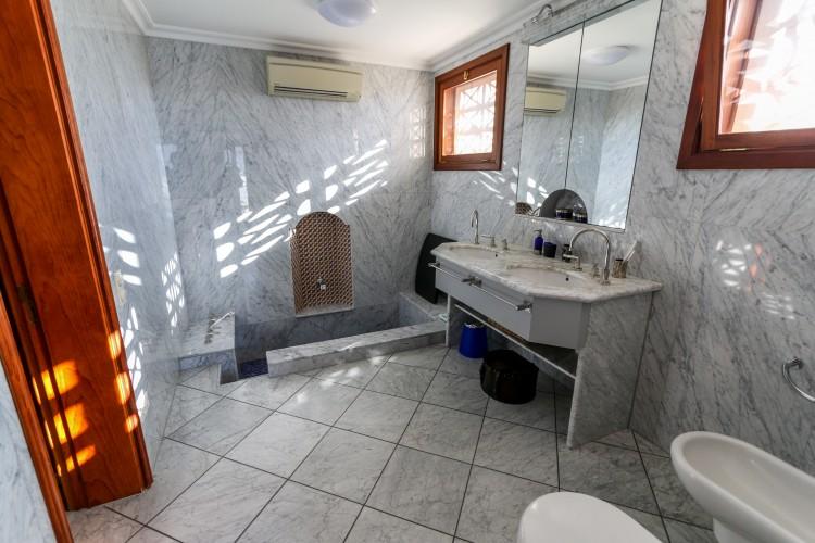 2 Bed  Villa/House for Sale, Los Gigantes, Santiago Del Teide, Tenerife - AZ-1366 3