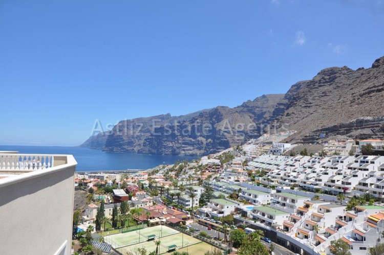 3 Bed  Flat / Apartment for Sale, Puerto De Santiago, Santiago Del Teide, Tenerife - AZ-1199 1