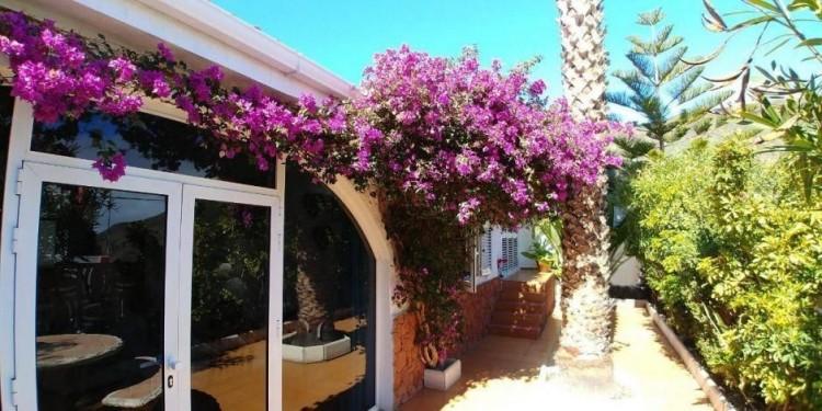 4 Bed  Villa/House for Sale, Las Palmas, Agüimes, Gran Canaria - DI-15895 1