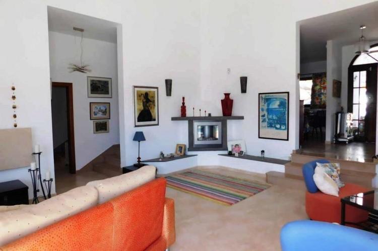 3 Bed  Villa/House for Sale, Conil, Lanzarote - LA-LA886s 3