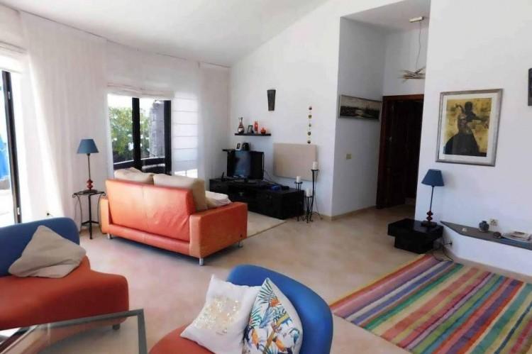 3 Bed  Villa/House for Sale, Conil, Lanzarote - LA-LA886s 4