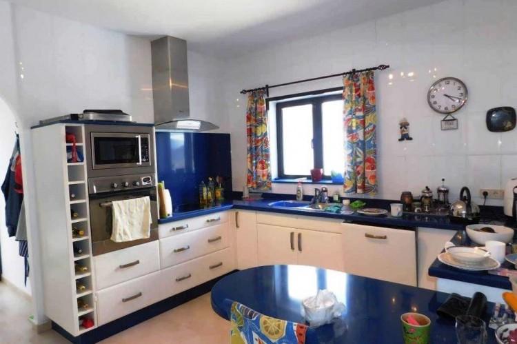 3 Bed  Villa/House for Sale, Conil, Lanzarote - LA-LA886s 5