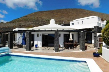 3 Bed  Villa/House for Sale, Conil, Lanzarote - LA-LA886s