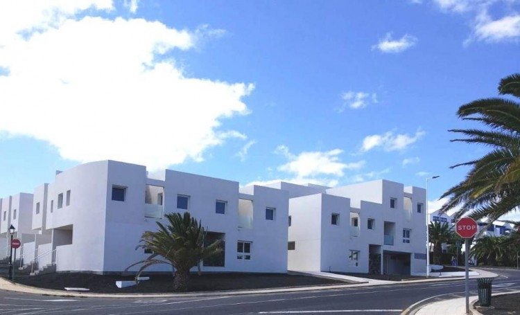 3 Bed  Villa/House for Sale, Costa Teguise, Lanzarote - LA-LA894s 1