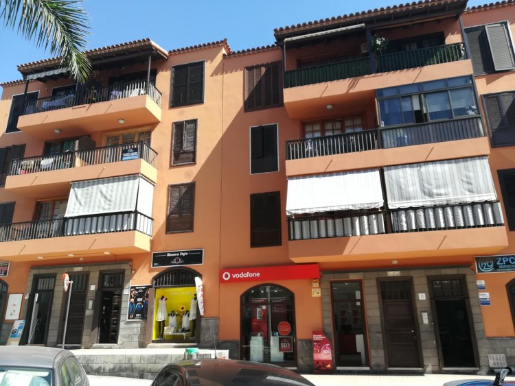2 Bed  Flat / Apartment for Sale, Adeje, Santa Cruz de Tenerife, Tenerife - IN-345 12